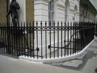 fitzroy-square-steel-cast-iron-railings-01