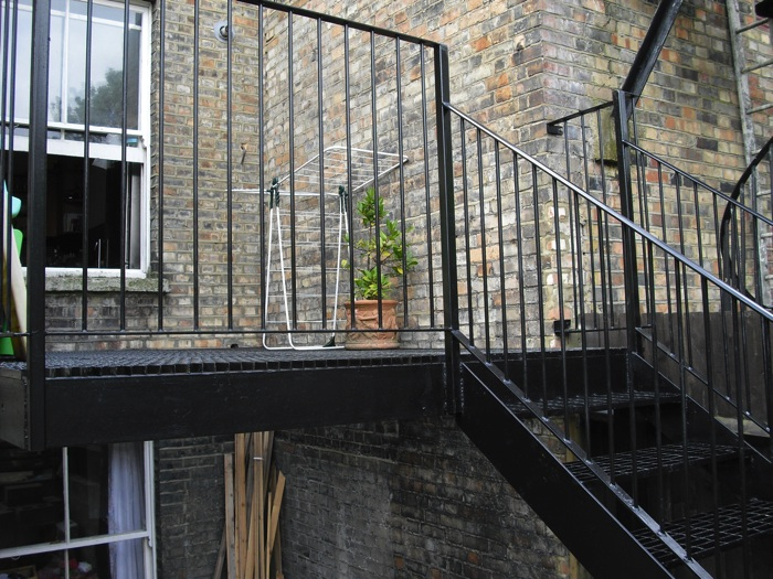 Mild steel balcony finsbury park london arc fabrications for Steel balcony