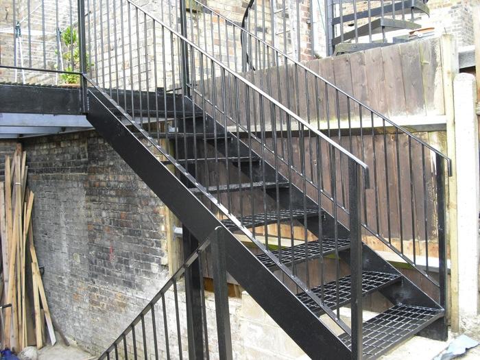 mild-steel-balcony-finsbury-park-london-3
