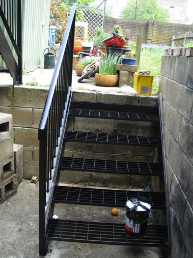 mild-steel-balcony-finsbury-park-london-4