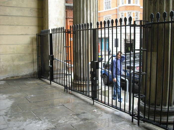 wrought-iton-cast-iron-gates-st-marks-church-grade-1-listed-north-audley-w1-london-4