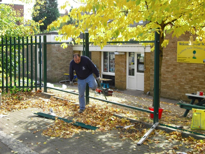 steel-palisade-fencing-carlton-school-maidavale-london-3[1]