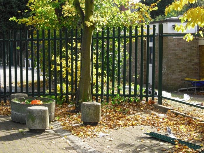 steel-palisade-fencing-carlton-school-maidavale-london-5[1]
