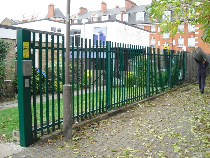 steel-palisade-fencing-carlton-school-maidavale-london-9[1]
