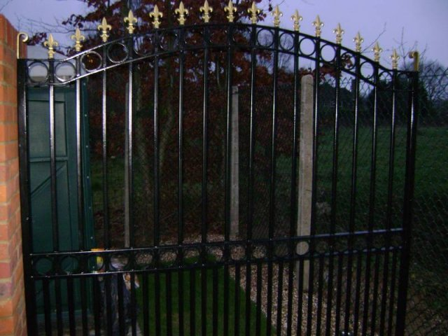 08-Automatic_Gate_Mild_Steel_with_Cast_Iron_Head