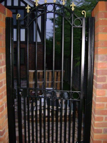 11-Automatic_Gate_Mild_Steel_with_Cast_Iron_Head