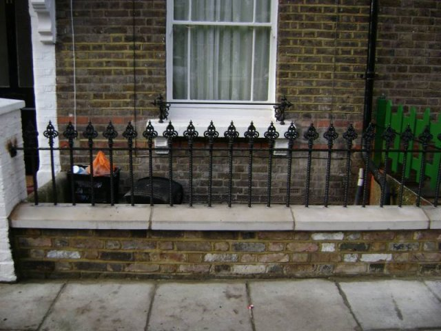 14-Cast_Iron_Railings