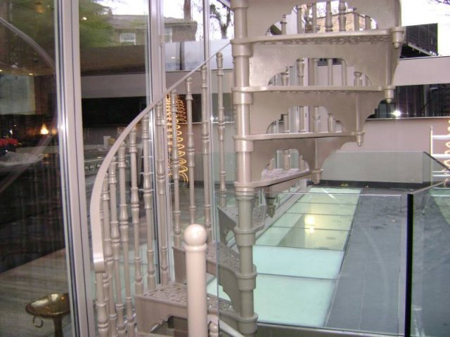 16-Steel_Handrails_Downstairs