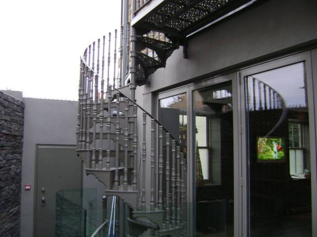 17-Steel_Handrails_Downstairs