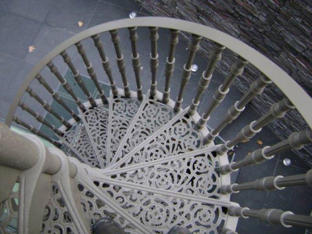 18-Steel_Handrails_Downstairs