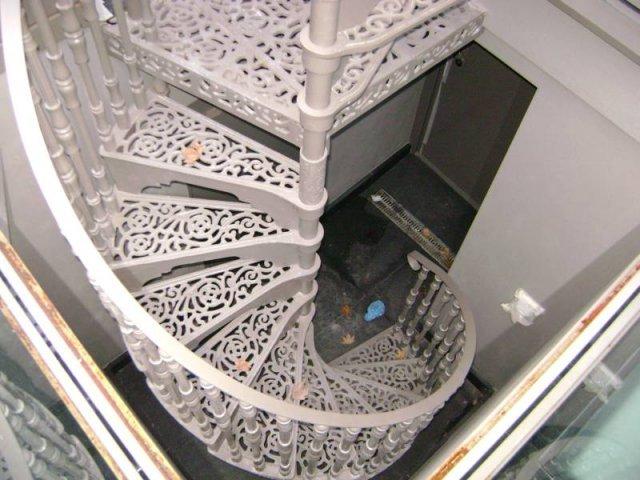 19-Steel_Handrails_Downstairs