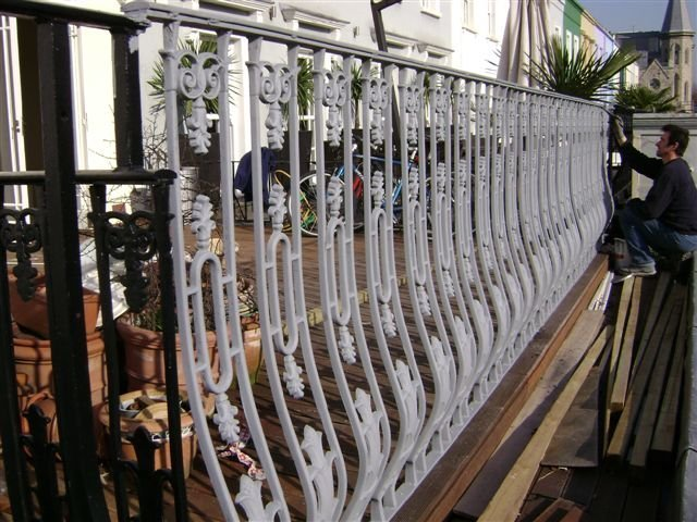 20-Cast_Iron_Balcony_Railings