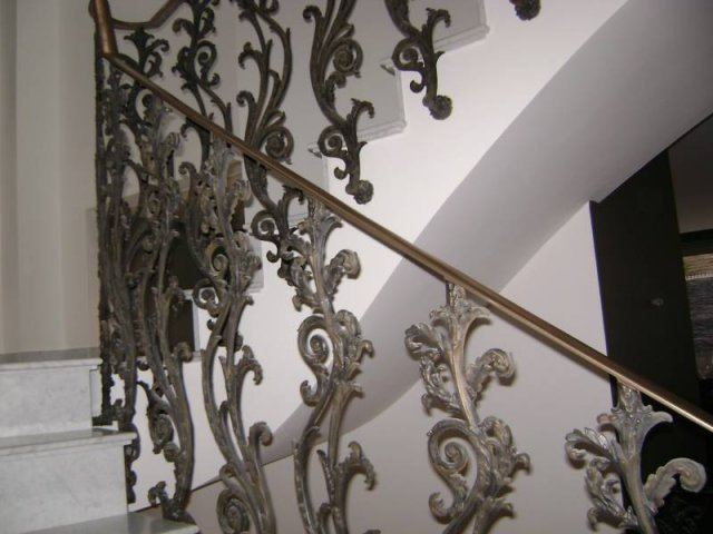 23-Cast_Iron_Spiral_Staircase