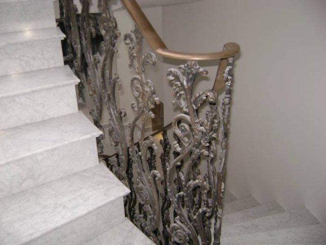 28-Cast_Iron_Handrail