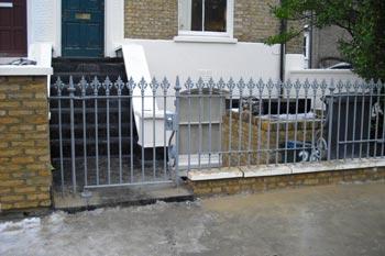 Cast iron railings Hackney