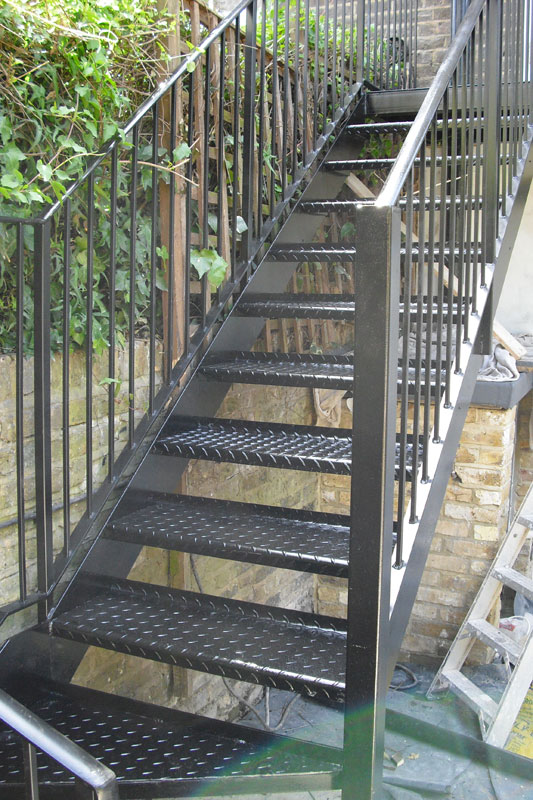 Steel staircase london hammersmith arc fabrications for Exterior stairs