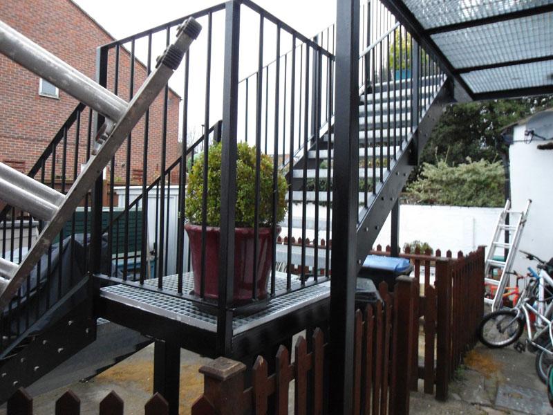 Garden-Access-Steel-Staircase-Edmonton-London