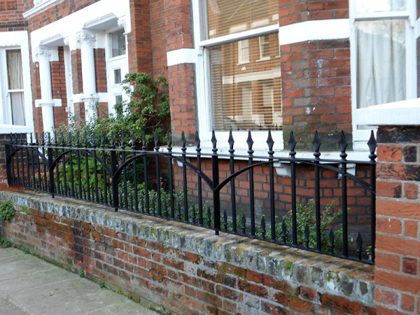 Reproduction-Railings-Hampstead-High-Gate2