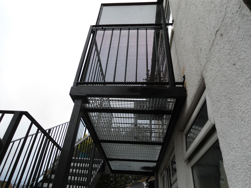 Steel balcony staircase fabrication edmonton london arc for Steel balcony
